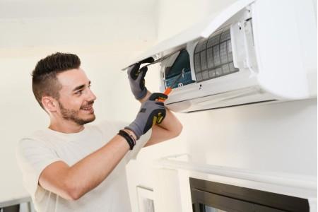 Limpeza de ar condicionado: 4 RAZÕES IMPORTANTES!